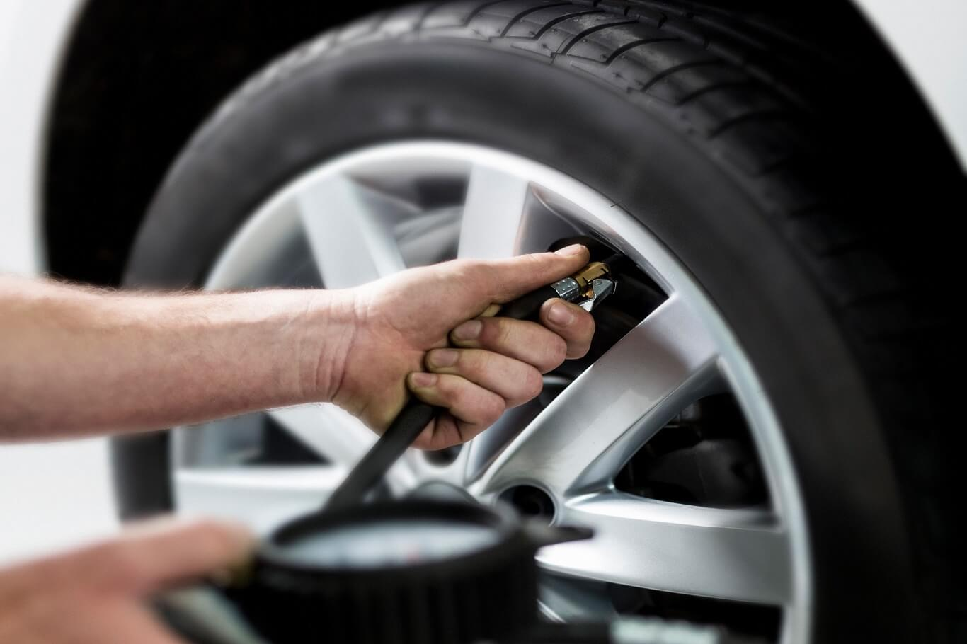 how to fill air in car tires