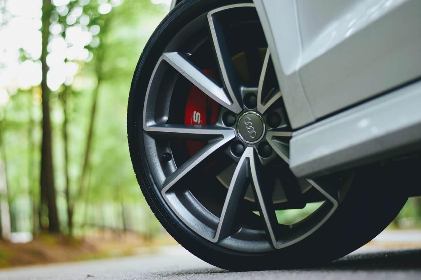 how long do tires last on a new car