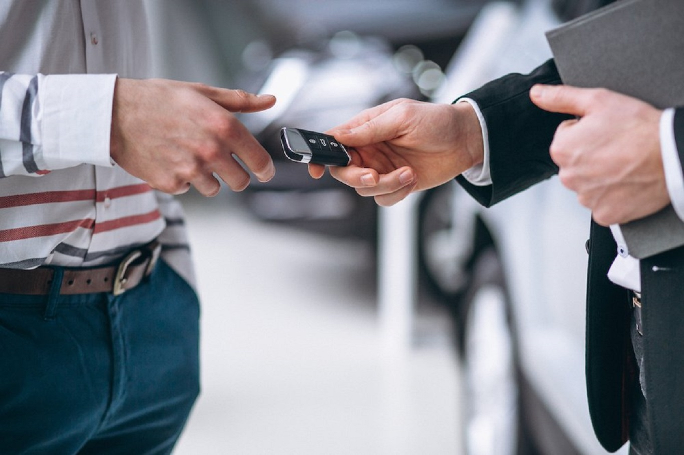 This article will explain why owners like cars with warranties that can be transferred. The whole process depends on the terms of the warranty. Check out the procedural steps for car warranty transfer.