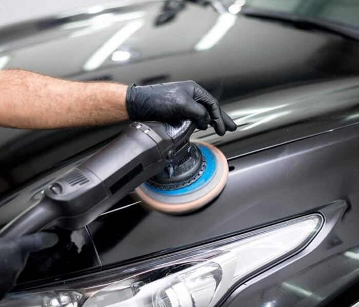 Advantages-of-black-car-waxes-1024x876