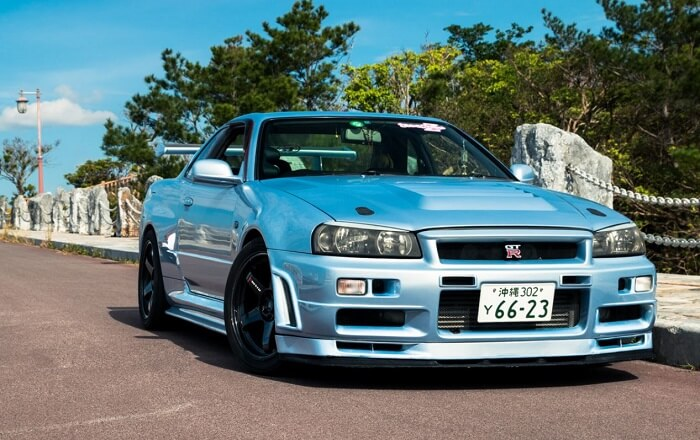 Imporet-a-Nissan-GT-R-R34-From-Japan