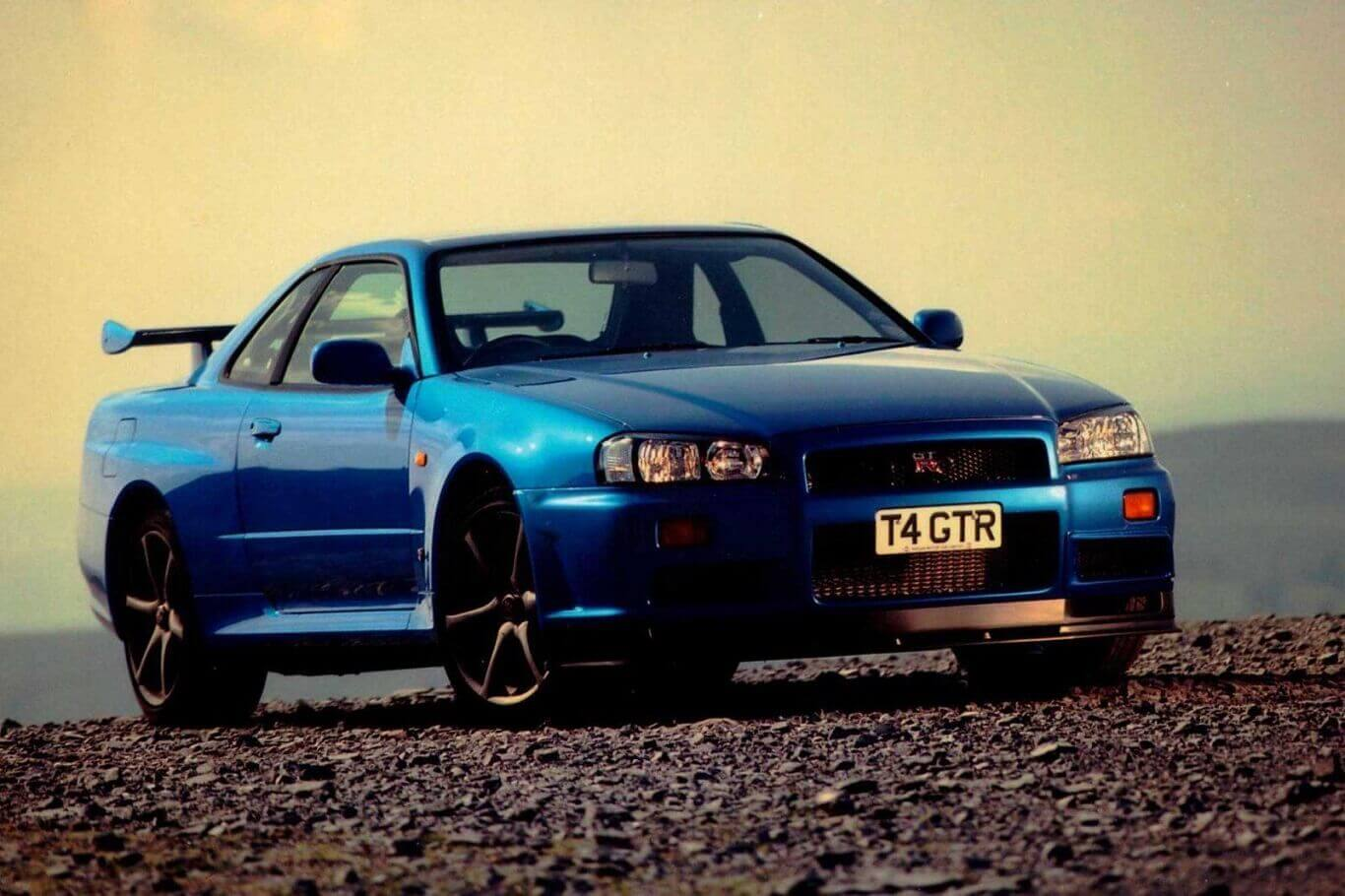 why are Nissan skylines illegal in the U.S