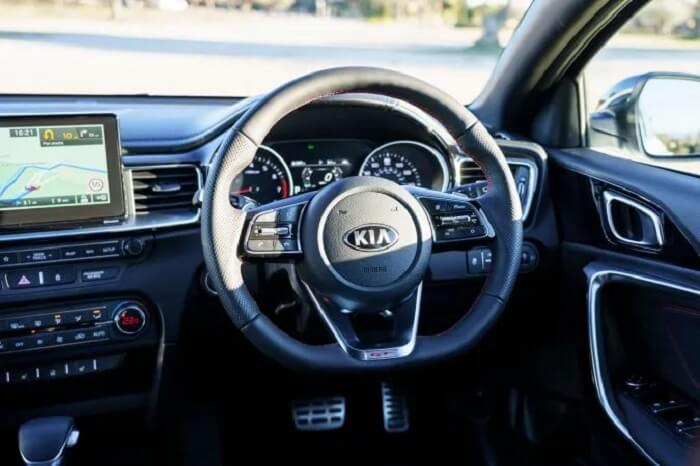 Kia-Proceed-GT-Review-2019-21