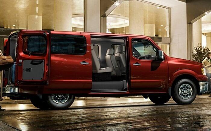 Nissan NV 3500 Passenger