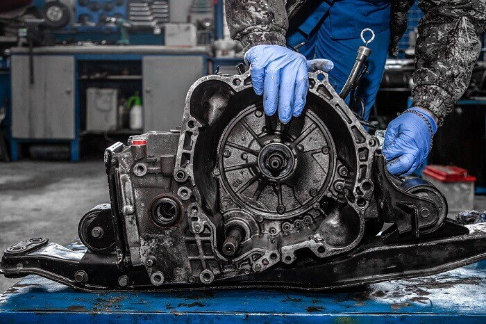How much does an average clutch replacement cost