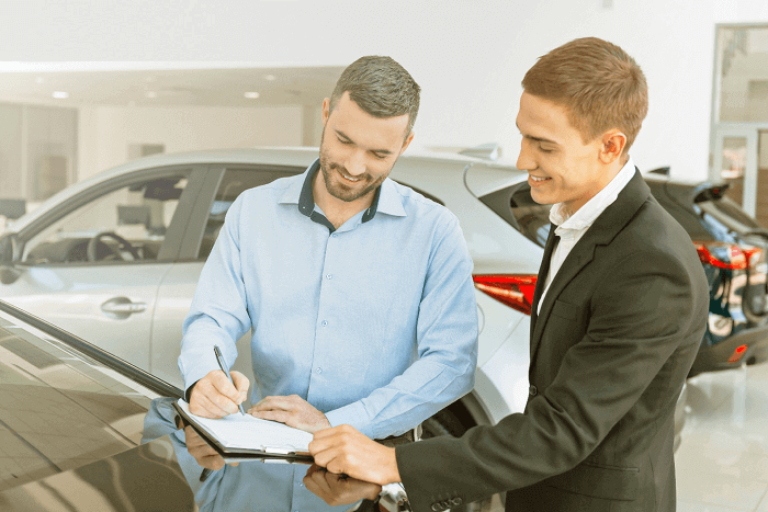 advantages of a luxury car lease