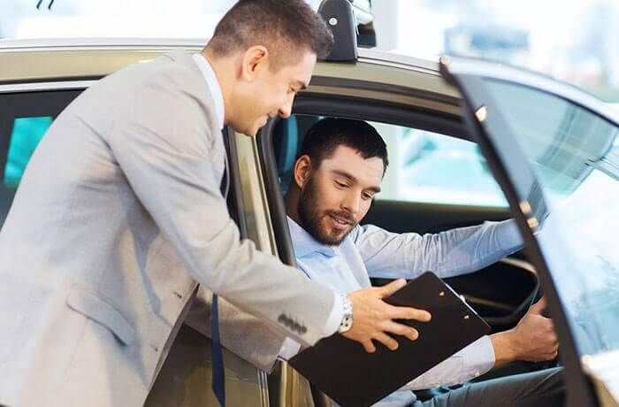 questions-to-ask-when-buying-a-used-car-hero