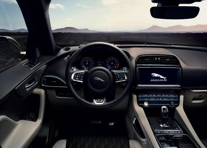 2018 Jaguar F-Pace dashboard