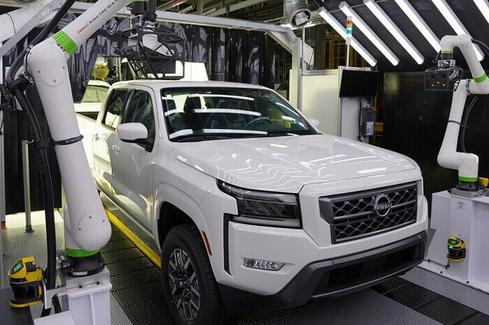 2022-nissan-frontier-production