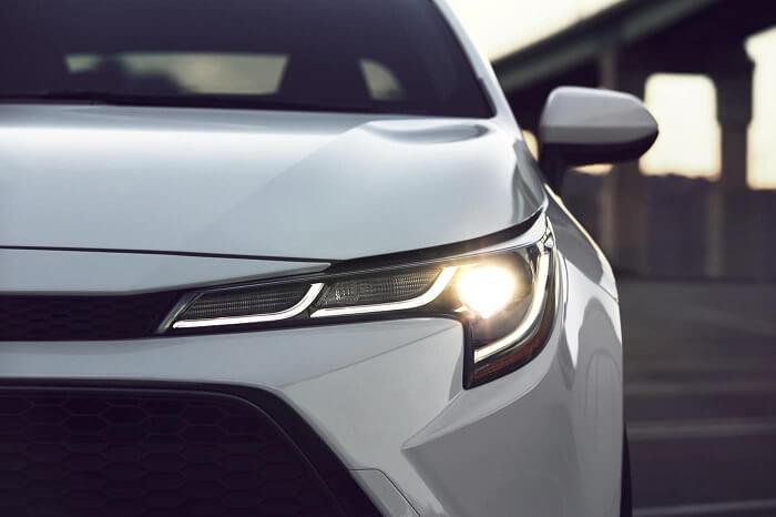Toyota-Corolla-Hybrid-Headlightt-