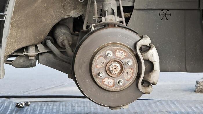 Worn out wheel bearing