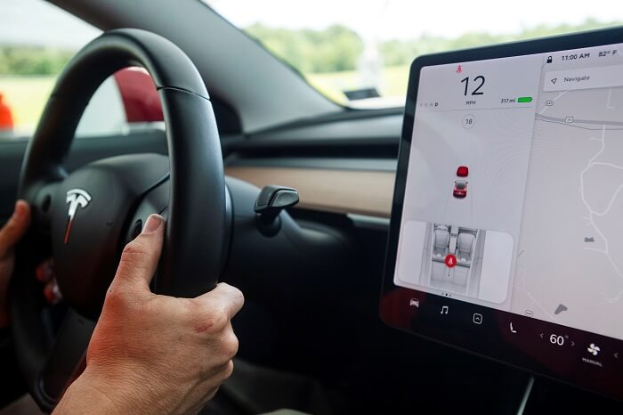 automakers assistance in the Tesla probe