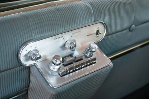 first cars with air conditioning