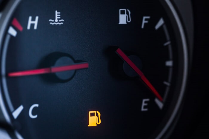 The fuel runs out too quickly - sign of spark plug